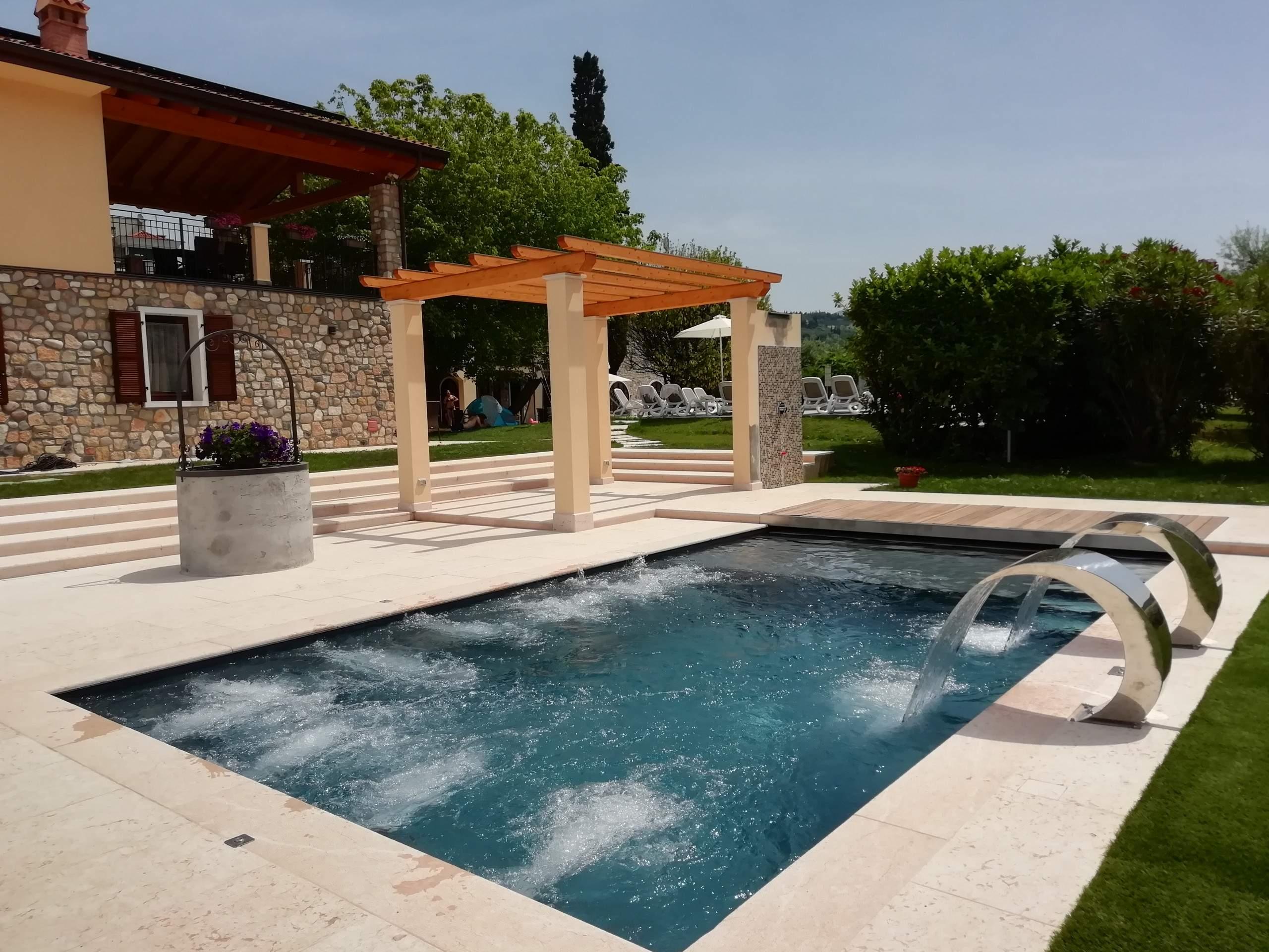 ferienwohnung garda rustico superior 3 zimmerwohnung mit garten und pool