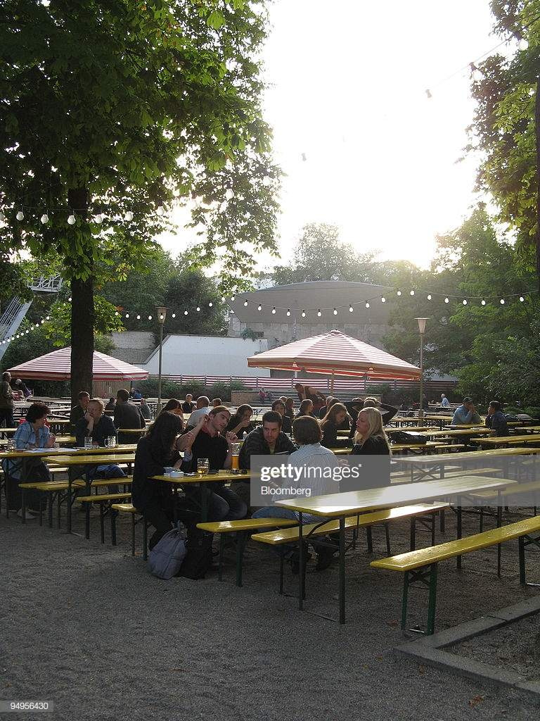 Prater Garten Berlin Frisch Customers Sit at the Prater Garten Beer Garden In Berlin