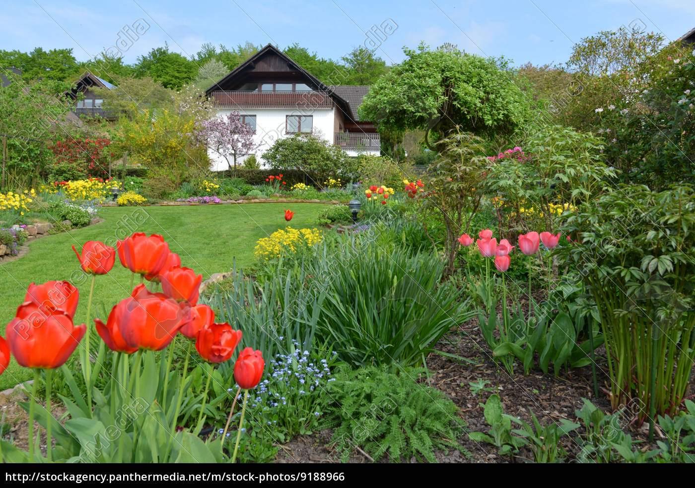 Schöner Garten Genial Stock Bild Schöner Garten Im Frühling