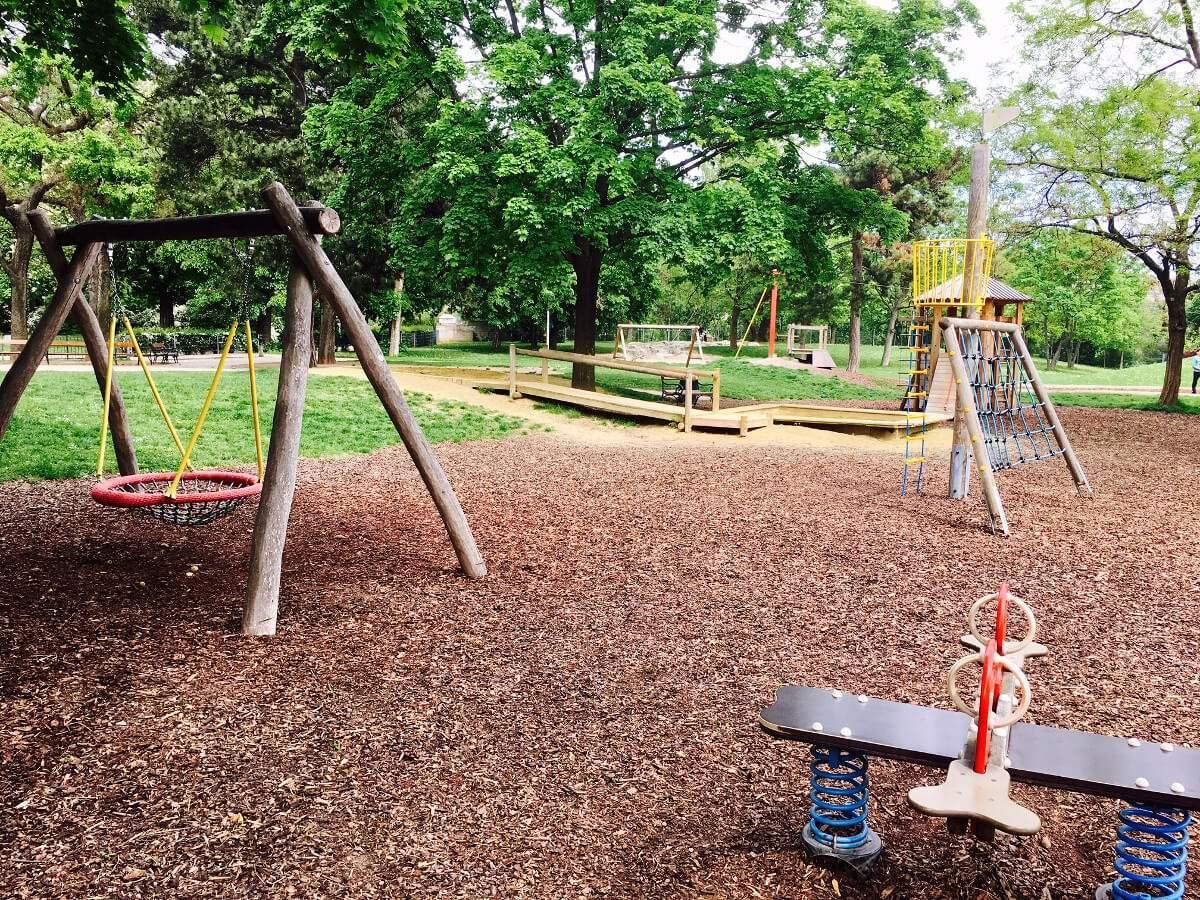 Schweizer Garten Reizend Spielplatz Und Ausflug Schweizer Garten Wien › Kleine Botin