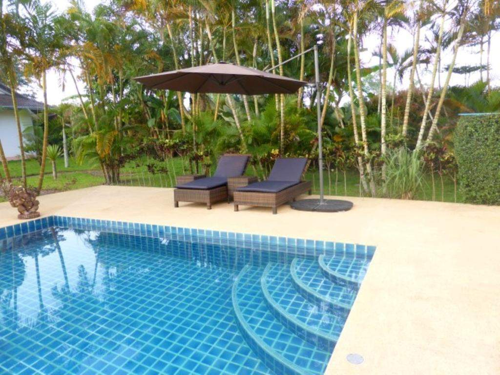 chambres hotes guesthouse in garden with swimmingpool ban huai san kao h de