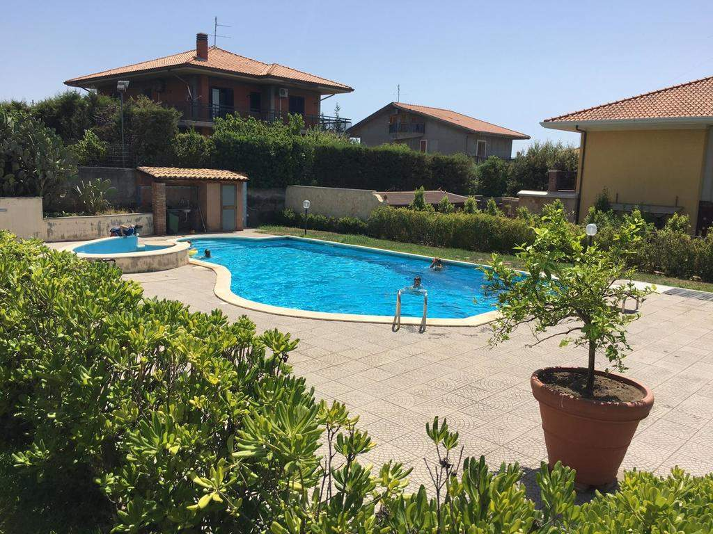 gites luxury villa private garden swimming pool mascalucia h de
