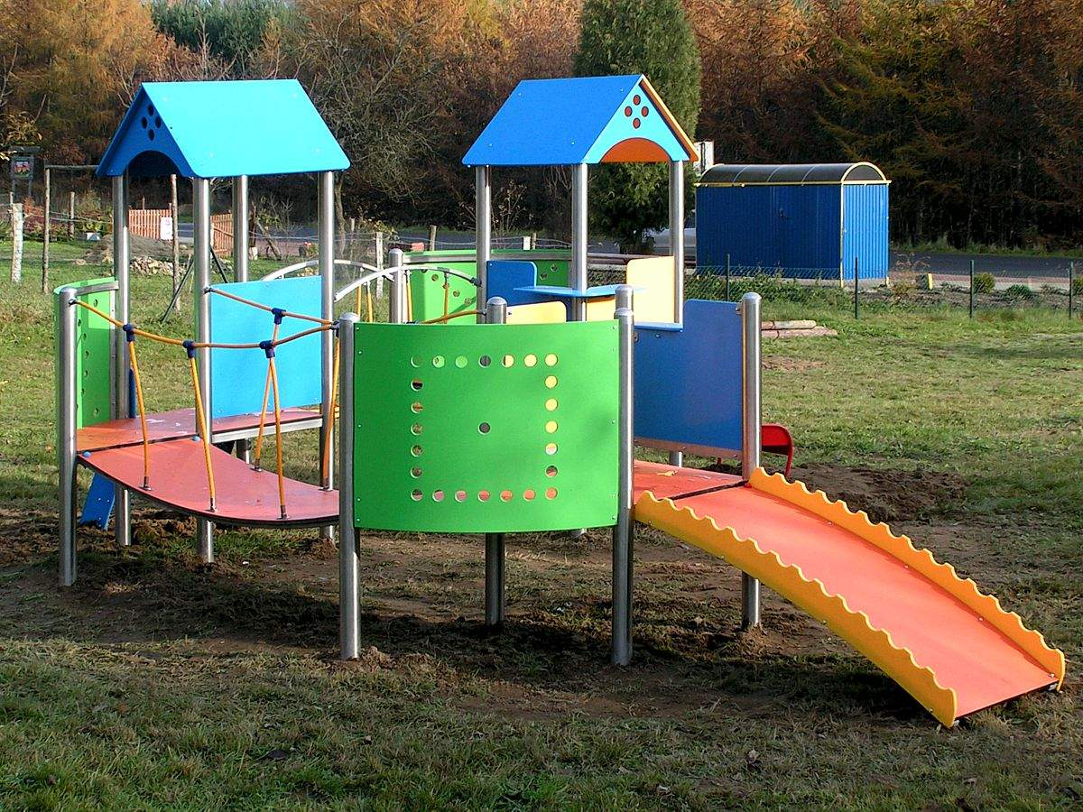 outdoor kinderspielgeraet kletterburg